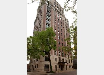 1325 N Astor Unit 8, Chicago, IL 60610