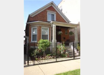 3015 W George, Chicago, IL 60618