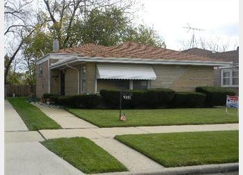 9351 S Cregier, Chicago, IL 60617