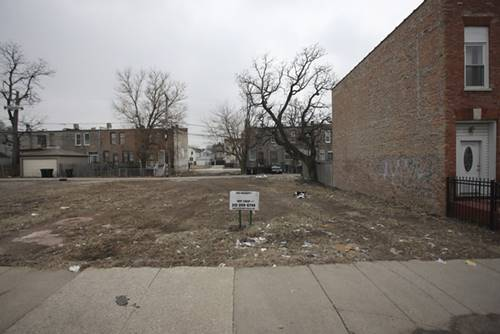 2739 W Lake, Chicago, IL 60612