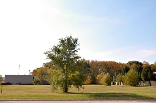 154 Commercial, Yorkville, IL 60560