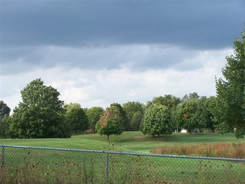 2220 N Woodlawn Park, Mchenry, IL 60051