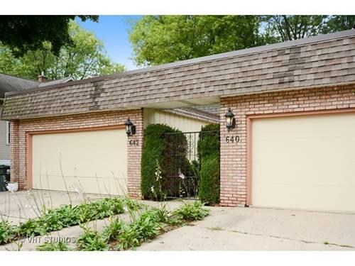 640 S Hough, Barrington, IL 60010
