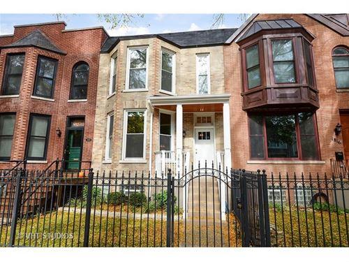1818 W Newport, Chicago, IL 60657