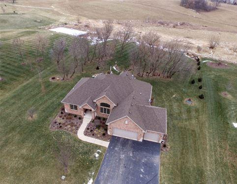 7535 N Winding Oak, Stillman Valley, IL 61084