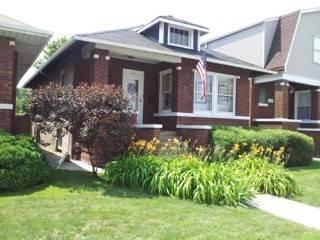 4739 W Addison, Chicago, IL 60641