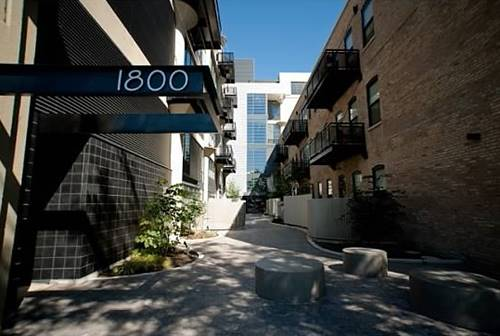 1800 W Grace Unit 321, Chicago, IL 60613