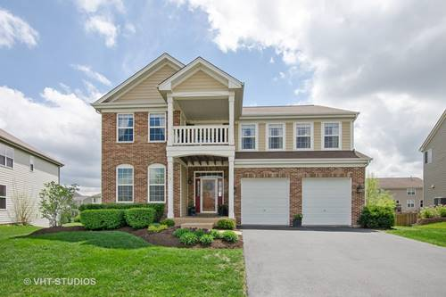 579 Waterford, Elgin, IL 60124