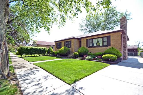 9226 S Avers, Evergreen Park, IL 60805