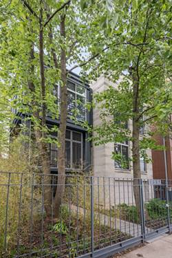 1537 W Chestnut, Chicago, IL 60622