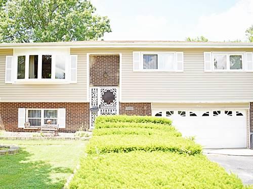 902 N Fischer, Addison, IL 60101