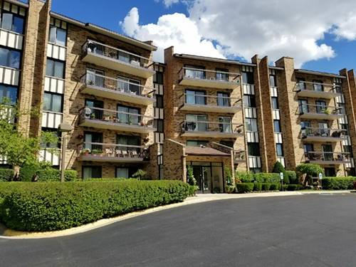 501 Lake Hinsdale Unit 204, Willowbrook, IL 60527