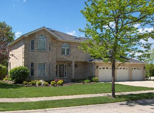 30 Americana, Roselle, IL 60172