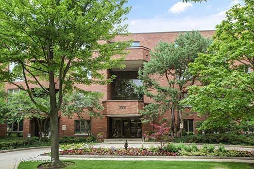 1601 Oakwood Unit 302, Highland Park, IL 60035