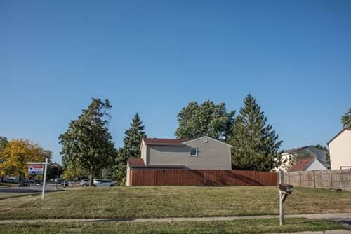 1190 Darby, Roselle, IL 60172