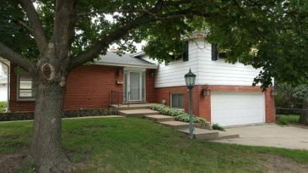 515 E Adams, Elmhurst, IL 60126