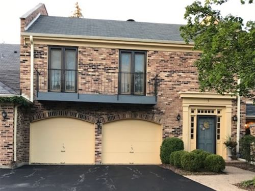 5 Court Of Overlook Bluff, Northbrook, IL 60062