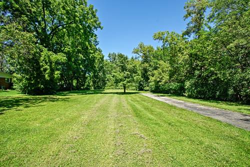 506 E Camp Mcdonald, Prospect Heights, IL 60070