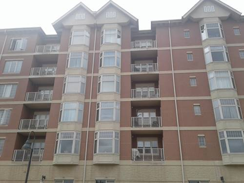 9670 Franklin Unit 301, Franklin Park, IL 60131