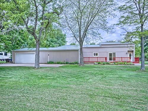 1209 N Lake Of The Woods, Mahomet, IL 61853