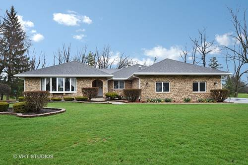 16 Chipping Campden, South Barrington, IL 60010