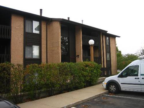 6151 Knollwood Unit 305, Willowbrook, IL 60527