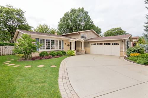711 W Brittany, Arlington Heights, IL 60004