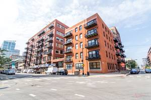 226 N Clinton Unit 224, Chicago, IL 60661 Fulton Market