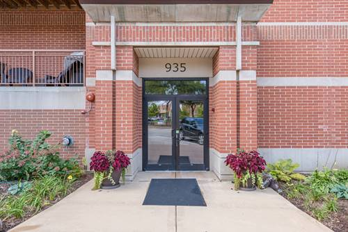 935 Burlington Unit 312, Downers Grove, IL 60515