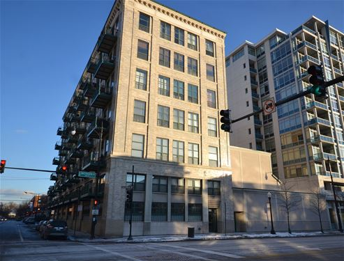 1801 S Michigan Unit 105, Chicago, IL 60616
