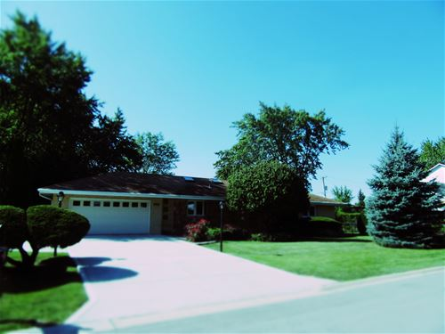 8705 W 92nd, Hickory Hills, IL 60457