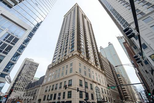 10 E Delaware Unit 12B, Chicago, IL 60611 Gold Coast
