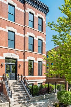 2015 N Cleveland, Chicago, IL 60614 Lincoln Park