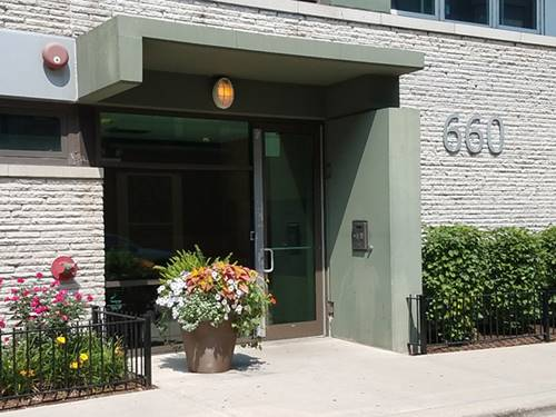 660 W Wayman Unit 607, Chicago, IL 60661