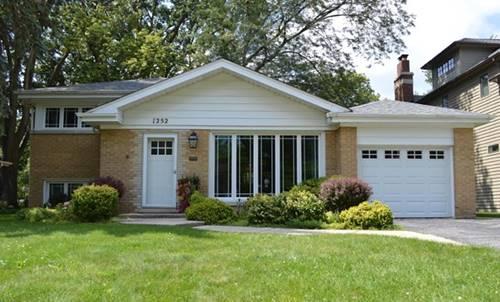 1252 Carlisle, Deerfield, IL 60015