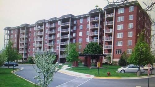 8300 Callie Unit 412, Morton Grove, IL 60053