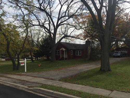 902 Hillview, West Chicago, IL 60185