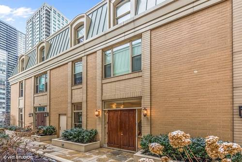 25 E Superior Unit 11C, Chicago, IL 60611 River North