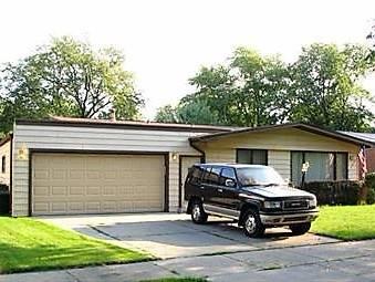827 W Terrace, Glenwood, IL 60425