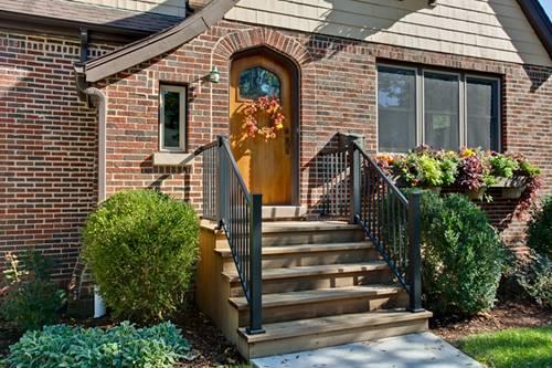 109 S Mitchell, Arlington Heights, IL 60005