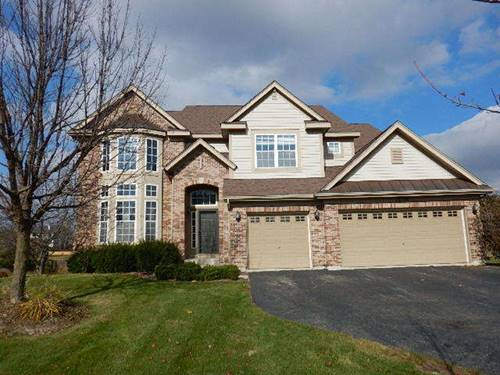 26326 Whispering Woods, Plainfield, IL 60585