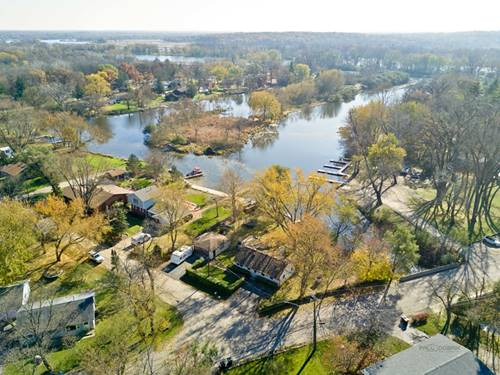 31 Oak, Port Barrington, IL 60010