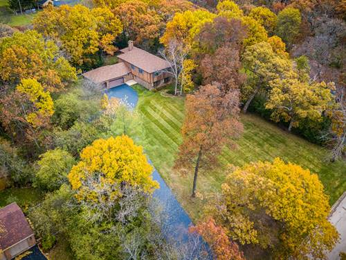 127 Hidden Oaks, Barrington, IL 60010