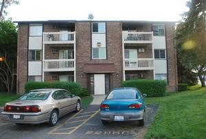 2296 W Nichols Unit A, Arlington Heights, IL 60004