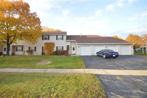 68 N Victoria Unit H, Streamwood, IL 60107