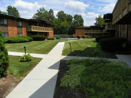 481 Duane Unit A-1, Glen Ellyn, IL 60137