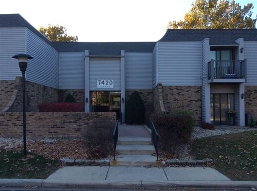 7420 Grand Unit 203, Downers Grove, IL 60516