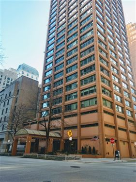 247 E Chestnut Unit 904, Chicago, IL 60611