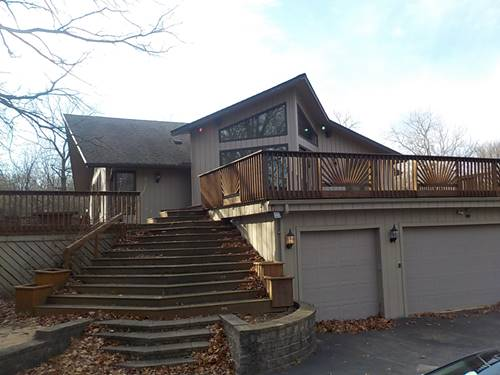 93 Hills And Dales, Barrington, IL 60010