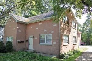 419 W Park Unit 2, Libertyville, IL 60048